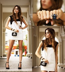Flávia Desgranges van der Linden - Lovemartini Dress, Santafina Ring, Santafina Clutch - Little black (& white) dress!