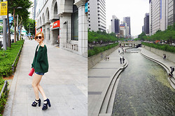 Gabrielle Yoon - Vintage Oversized Cardigan, Mango Wallet Clutch,   Shoes - When I was in the middle of the city