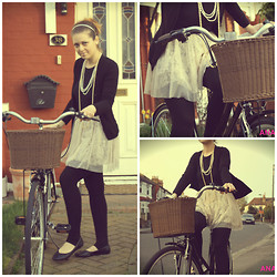 Anami Papay - Topshop Skirt, Primark Flats, Zara Cardigan - Riding My Bike