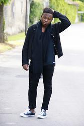 Ludovic Pieterson - Agnès B. Jacket, Acne Studios T Shirt, H&M Jean, Converse Sneakers - All black everything