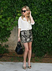 Tatjana Jovanovic - H&M Shirt, Romwe Bag, Paris Hilton Sandals, Stradivarius Skirt - Dark gold