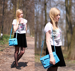 Wiktoria Kkk - House Bag, New Yorker T Shirt - Blue bag