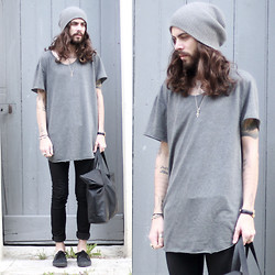 Tony Stone - Vans Black Era, Monki Black Bag - Like ever