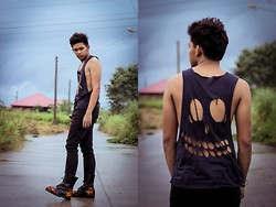 Robert James - Artwork Diy Skull Tank Top, Oxygen Black Skinny Jeans, Underground Shoes England Fiery - Death Eater