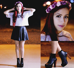 Bárbara Lopes - Forever 21 Crop Top, Blue Steel Pleated Skirt, Diy Flower Crown, Jeffrey Campbell Lita - Night and Lights