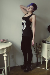 Koraline M - Diy David Bowie Tank Top, Lindex Velvet Leggings, Ebay.Co.Uk Litas - We can be heroes!