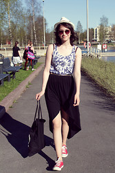 Elina L. - River Island Wrap Skirt, Cheap Monday Tote Bag, Asos Retro Sunglasses, Gina Tricot Tiedye Top, Converse All Star Sneakers - Ready for festivals