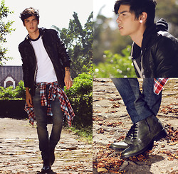 Vini Uehara - Guidomaggi Boston Boots - I take your hand and the city is slowly vanishing