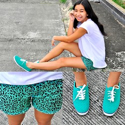 Geraleen Nicole Gaytano - Next Jeans Top, Sm Gtw Shorts, Keds Sneakers - Deal with Teal