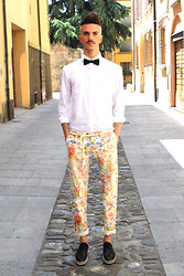 Simone Munari - Selected Bowtie, Selected Shirt, Scotch&Soda Pants, Selected Shoes - Uptown Boy