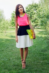 Manona Che - Topshop Necklace, O'stin Skirt, Bsk Clutch, Egypt Market Top - 20.05.2013
