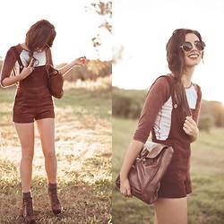 Elle-May Leckenby - Shopgipsypixie Deep Red Corduroy Overalls, Dark Brown Button Latch Tote Bag, Big Round Shades - On a fine afternoon