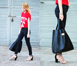 Johanna K. - Mohito Bag, Nelly Sandals, Cubus Trousers, River Island T Shirt - HI BROOKLYN