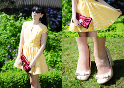 Insomnia Heartbreak - Primark Dress, Primark Nude Bow Pumps, Bcbg Bow Clutch - Yellow dots
