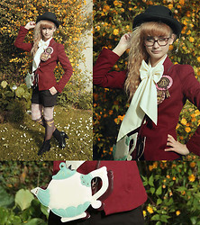 Mila De Blois - Zara Red Jacket, Vintage Antique White Blouse, Taobao Blck Top Hat, Angelic Pretty Chocolate Brooches, Avant Première Brown Shorts, Merry Go Round Chocolate Tights, Bata Black Ankle Boots, Felissimo Tea Pot Bag - More wolves at your door than the Little Red Riding Hood