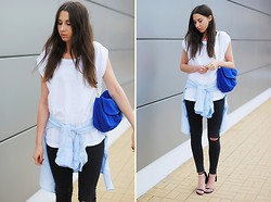 Patrycja R -  - BLUE SHIRT + COBALT BAG
