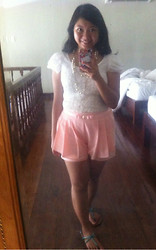 Louie Belle Regente - Cache Pastel Shorts, Forever 21 Pearl Necklace - Summer Look