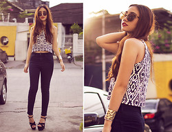 Aileen Belmonte - Tops And Totes Top, Topshop Jamie Jeans, Chicnova Sunnies - Ethnicity