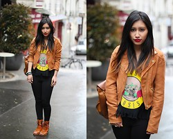 Rosa Pel - H&M Biker Jacket, Chicnova Guns And Roses Top, Miista Peep Toe Leather, Yesstyle Black Legging - The camel touch