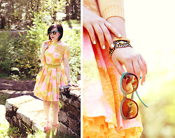 Keiko Lynn - Asos Vintage Dress, Coach Sunglasses - Isn't she pretty in pink?