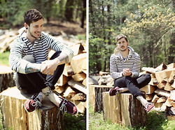 Bobby Hicks - J. Crew Striped Hoodie, Tommy Hilfiger Boat Shoes, Hudson Jeans - Stripes and boat shoes