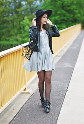 Marie Schöniger - Missguided Biker Jacket, Romwe Dress, Romwe Boots - On the bridge