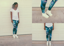 Taylor M. - Oversized White Tee, Galaxy Leggings, Platform Sneakers - Death Trap Shoes
