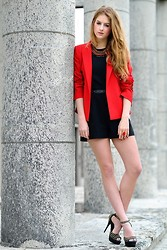 Lara Rose Roskam - Filippa K Jacket - RED LOOK