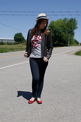 Niki D - Campus Crew Usc Shirt, Danier Leather Jacket, Bluenotes Jeans - Leather University