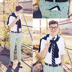 Chris Nicholas - Hawkings Mcgill Mint Anchor Chinos, Warby Parker Glasses, Michael Kors Leather Belt, Mint Chocolate Chip Ice Cream, Moonmist Ice Cream - Anchors & Ice Cream
