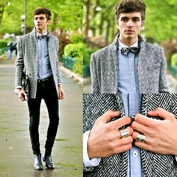 "Matthias C. - Fashops Jacket, Jean Paul Gaultier Rings, Asos Shirt, Vintage Bow Tie, Around A. Skinny, Vintage Clutch - ""Argos"""