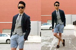 Karlson Simon Pinon - Onassis Acid Shorts, Guess? Shirt, Guess? Vest, Zara Color Block Blazer, Guess? Skinny Tie, Tom Ford Sunnies - BLEU.