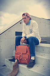 Dominik S. - Urban Outfitters Jumper, Vintage Backpack, Jamarico Hat - Be like a fox