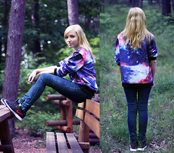 Wiktoria Kkk - Sweatshirt, Nike Shoes - Galaxy