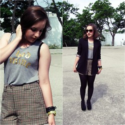 Marta O - H&M Grey T Shirt With Asymmetric Back, H&M Houndstooth Shorts, Stradivarius Black Blazer, Centro Black Wedges - Be bad, be mine