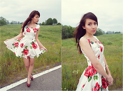 Sylwia K. - Sheinside Floral Dress, New Look Heels - Hot summer days, rock&roll.