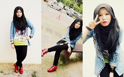 Fha Azmi - H&M Black Pashmina, Red Boots, Denim Long Shirt, Casual Top, Bag - Let's go casual, maybe?