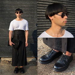 Chin from FOUREYES - Henry Holland For Le Specs Hoodies Sunglasses, Dr. Martens 1461 Classic Black Flat Shoes, Alistair Trung Wraparound Pants, American Apparel White T Shirt, Black Box The Laptop Case - Eyelids