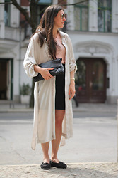 Lea Zeitman - Ray Ban Sunglasses, Vintage Watch, Goldschmiede Basel Gold Rings, Airwalk Black Moccasin, H&M Grey Coat, American Apparel Apricot T Shirt, H&M Black Skirt, Vintage Black Leather Clutch - BERLIN is calling