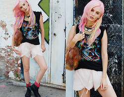 Audrey Kitching - Solestruck Yes, Zara, Vintage, Karen London - Neon Pony