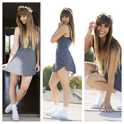 Kayla Barr - Urban Outfitters Floral Crown, Brandy Melville Usa Floral Minidress, Brandy Melville Usa Double Chained Coin Necklace, American Apparel Ruffled Socks, Urban Outfitters Platform Sneakers - Lolita