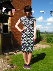 Emma Pryce - Vans Authentic Trainers, Thrifted Eye Print Midi Dress - EYE EYE