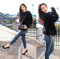 Kelly Nicole - 3.1 Phillip Lim Black Intarsia Fringe Sweater, J Brand Jean Cigarette, Black Pumps - Point of view. #FLUFFYFRINGESWEATER