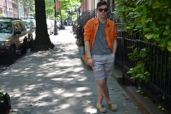 Ryan Charchian - Vince Button Up, V Neck, Shorts, Boat Shoes, Ray Ban Sunglasses - Prepping in the Shade