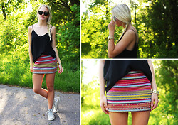 Fanny Larsson - Hollister Skirt, Zara Tank, Ray Ban Wayfarer - Well, hello summer