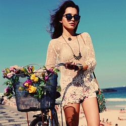 Alana Ruas - Chic Wish Crochet Top, Living Royal Sun Glasses, 2020ave Shorts - Warm Winter