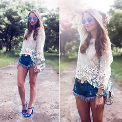 Melanie Winter - Chic Wish Top, Nasty Gal Shorts, Zara Shoes - DENTELLE