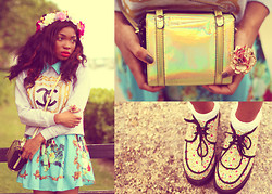 Gaëlle Seyi - Nasty Gal Hologram Gold Satchel Bag, Forever 21 Floral Ring, Asos Floral Creepers, Asos White Socks, Romwe Retro Floral Dress, Chanel Jumper, Asos Floral Headband - Chanel,floral and hologram, je vous aime tous...