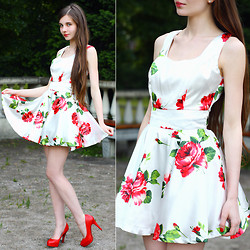 Ariadna Majewska - Sheinside White Floral Dress, Toria Blanic Red Pumps - Roses