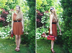 Elaine Storm - H&M Brown Dress, Primark Red Bag, Shoe Town Brown Wedges - Smile and the world looks brighter